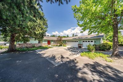 Grants Pass Single Family Home For Sale: 352 Parkhill Place