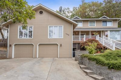 Grants Pass Single Family Home For Sale: 1628 NE Terrace Drive