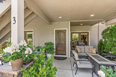 Medford Condo/Townhouse For Sale: 1280 Ashford Way #3