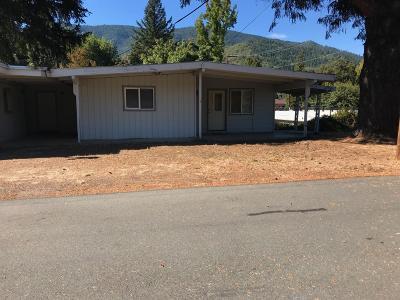 Jackson County, Josephine County Single Family Home For Sale: 214 Main Street