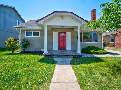 Medford Single Family Home For Sale: 843 W 14th Street