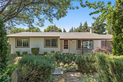 Medford Single Family Home For Sale: 3093 Connell Avenue