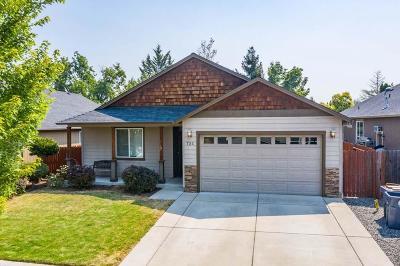 Medford Single Family Home For Sale: 751 Tivoli Drive