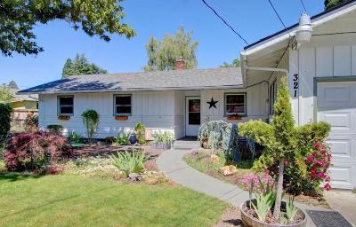 Phoenix Single Family Home For Sale: 321 Oak Street