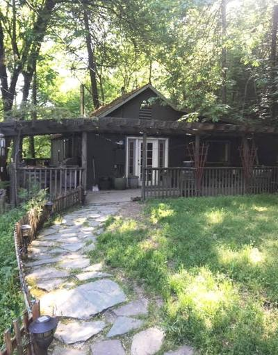Medford Single Family Home For Sale: 6883 Coleman Creek Road