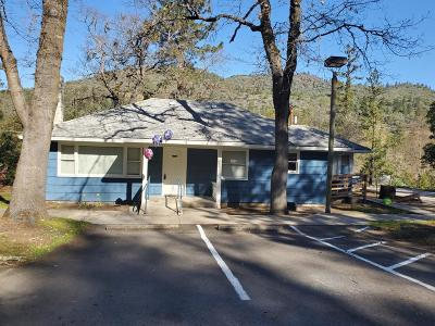 Jackson County, Josephine County Single Family Home For Sale: 7200 HWY 238