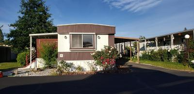 Grants Pass OR Mobile Home For Sale: $33,000