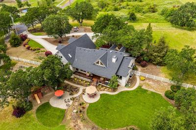 Medford Single Family Home For Sale: 1912 Oakmont Way