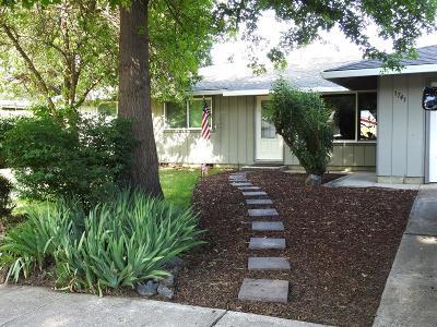 Medford Single Family Home For Sale: 1741 Sheldon Avenue