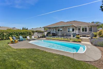 Medford Single Family Home For Sale: 2883 Bailey Avenue