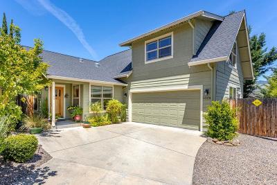 Talent Single Family Home For Sale: 1009 Crimson Court