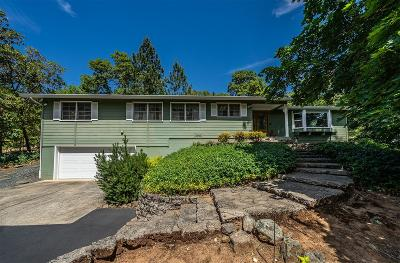Grants Pass Single Family Home For Sale: 2051 W Jones Creek Road