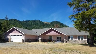 Grants Pass Single Family Home For Sale: 405 Hitching Post Road