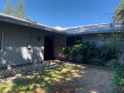 Grants Pass Single Family Home For Sale: 758 Summit Loop
