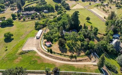Single Family Home For Sale: 2211 Hillside Drive