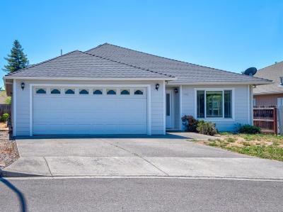 Medford Single Family Home For Sale: 1512 Steelhead Run