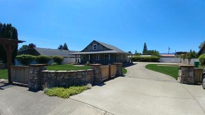 Grants Pass Single Family Home For Sale: 1468 Cameo Court