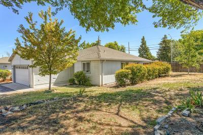Jackson County, Josephine County Single Family Home For Sale: 7808 Fallbrook Lane
