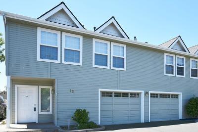 Medford Condo/Townhouse For Sale: 1224 N Modoc Avenue #15