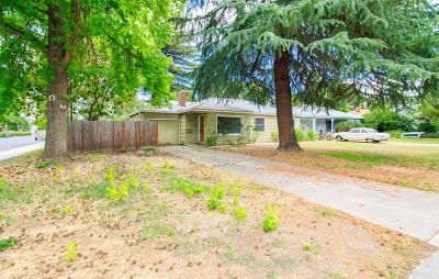 Medford Single Family Home For Sale: 1042 Winchester Avenue