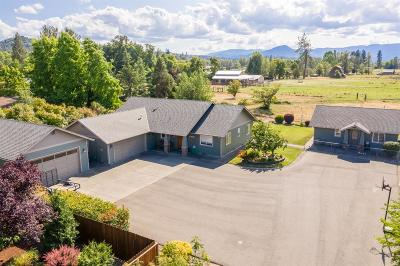 Grants Pass Single Family Home For Sale: 1456 Darneille Lane