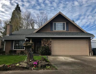 Medford Single Family Home For Sale: 2457 Greenbrook Drive