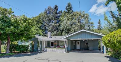 Rogue River Single Family Home For Sale: 218 Foothill Lane
