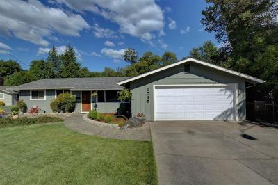 grants pass Single Family Home For Sale: 1515 NW Prospect Avenue