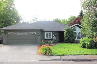Medford Single Family Home For Sale: 2660 Lawnview Drive