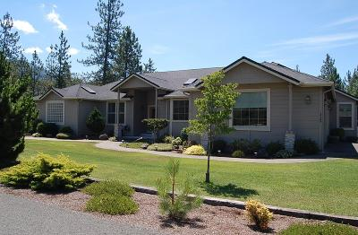 Grants Pass Single Family Home For Sale: 115 Bluegrass Place
