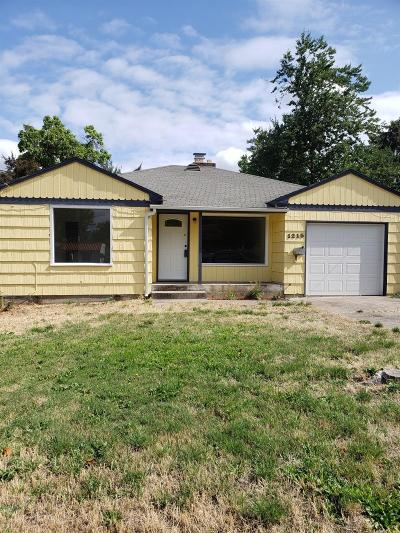 Medford Single Family Home For Sale: 1215 E Main Street