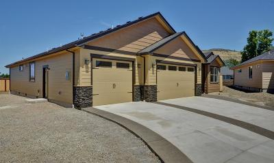 Medford Single Family Home For Sale: 3283 Fallen Oak Drive