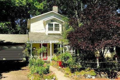 Ashland OR Single Family Home For Sale: $599,000
