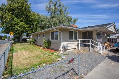 Grants Pass Single Family Home For Sale: 657 SW Balsam Rd Road