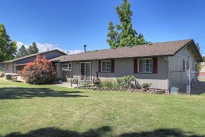 Grants Pass Single Family Home For Sale: 935 Buena Vista Lane