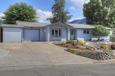 Grants Pass OR Single Family Home For Sale: $275,000