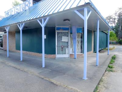 Cave Junction OR Commercial For Sale: $150,000