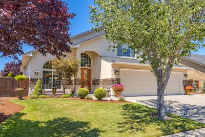 Eagle Point Single Family Home For Sale: 77 Pebble Creek Drive