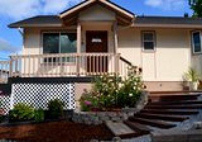 Grants Pass Single Family Home For Sale: 1666 NE Foothill Boulevard