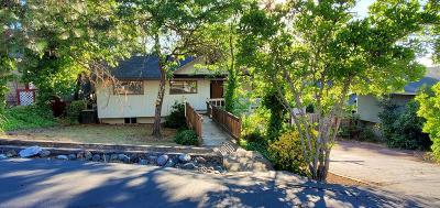 Grants Pass Single Family Home For Sale: 1760 NE Hillcrest Lane