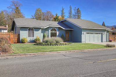 Grants Pass Single Family Home For Sale: 3387 Neamar Drive