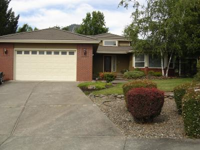 Medford Single Family Home For Sale: 164 Carly Circle