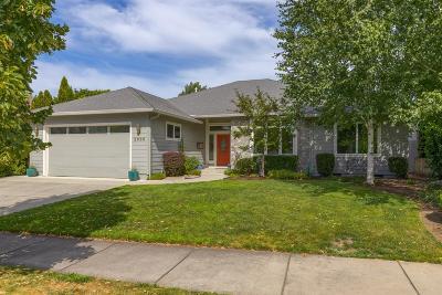 Medford Single Family Home For Sale: 2660 Kerrisdale Ridge Drive