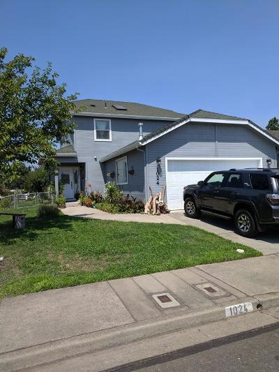 Grants Pass Single Family Home For Sale: 1024 Rainwood Lane