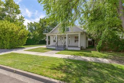 Medford Single Family Home For Sale: 323 Mae Street