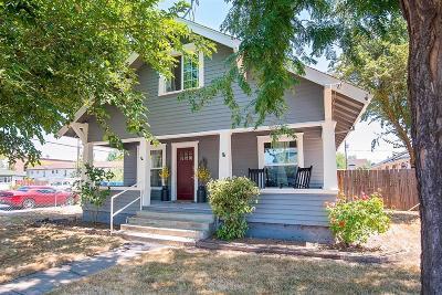 Medford Single Family Home For Sale: 305 Laurel Street