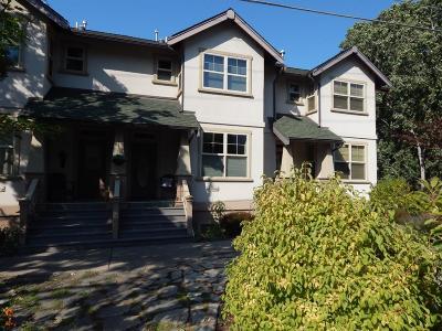 Ashland Condo/Townhouse For Sale: 2261 Siskiyou Boulevard