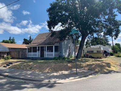 Medford Multi Family Home For Sale: 335 Alice Street