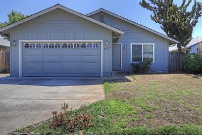 Grants Pass Single Family Home For Sale: 2153 SW Bridge Street