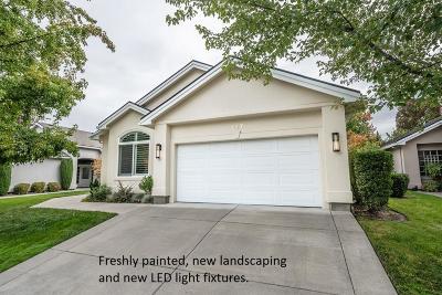 Medford Single Family Home For Sale: 747 Fernwood Drive